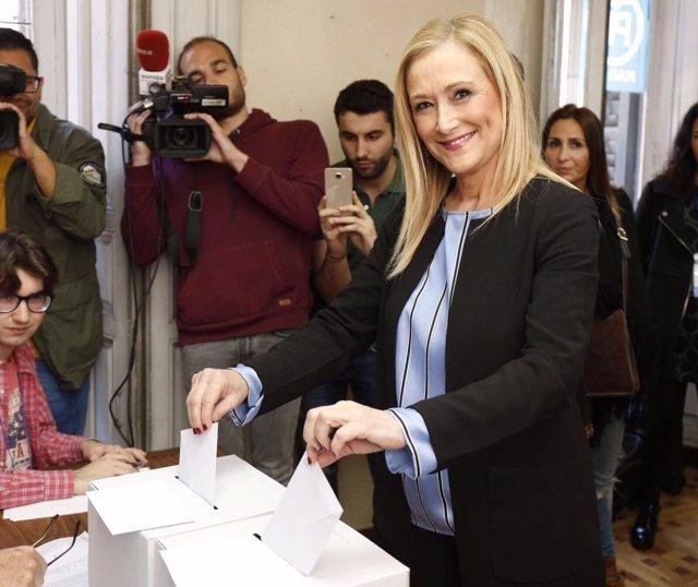 Cristina Cifuentes vota por la Presidencia de la Comunidad de Madrid