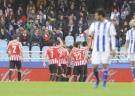 El Athletic se lleva el derbi vasco y aleja a la Real Sociedad de la 'Champions'