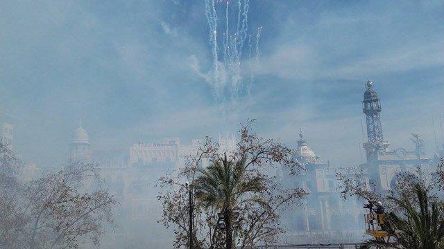 Mascletà del domingo, a cargo de pirotecnia Valenciana
