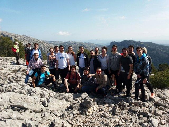 Gabriel Company durante la excursión al Puig de Ses Covasses