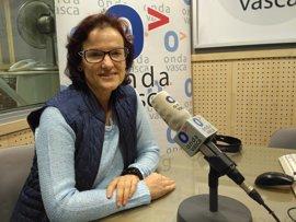 """Salud (Ezker Anitza) ve """"lamentable"""" la situación generada con la senadora Elvira García y le pide que deje el escaño"""