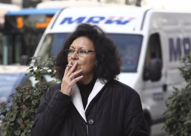 Recursos de gente fumando.