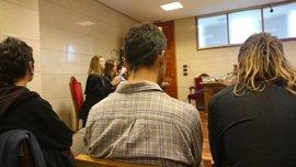 Los acusados de okupar la Sala Yago llegan a un acuerdo con Fiscalía para evitar la cárcel