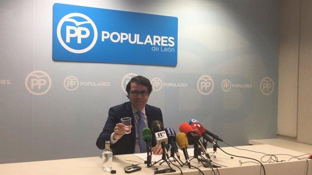 León: Mañueco al inicio de la rueda de prensa en León