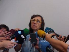 """Aguilar dice que Díaz """"va a seguir a pleno rendimiento volcada"""" con Andalucía y """"no es incompatible"""" con liderar el PSOE"""