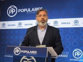 """El PP de Extremadura recuerda a Susana Díaz que """"a quien apoya"""" Vara """"siempre pierde"""""""