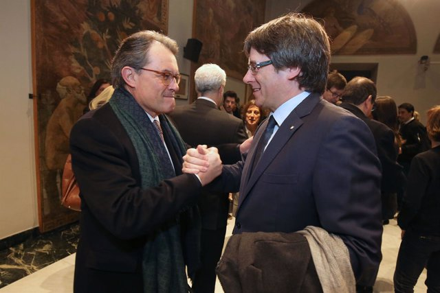 A.Mas y C.Puigdemont antes de salir hacia el TJSC por el juicio del 9N