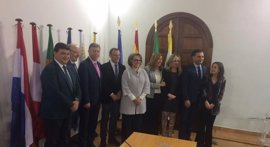 Díaz firma un memorándum con la Segib para hacer un Observatorio de Cambio Climático