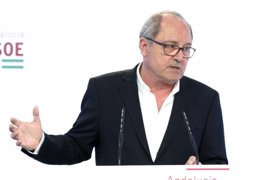 """PSOE-A ve compatible presidir la Junta y liderar el PSOE y critica las """"sandeces"""" de Moreno (PP-A)"""