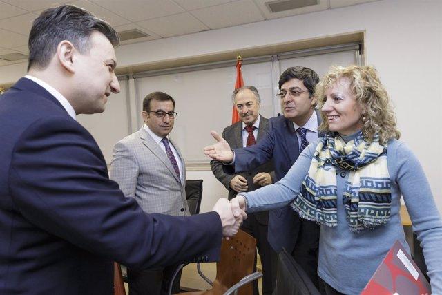Díaz Tezanos con una delegación turca