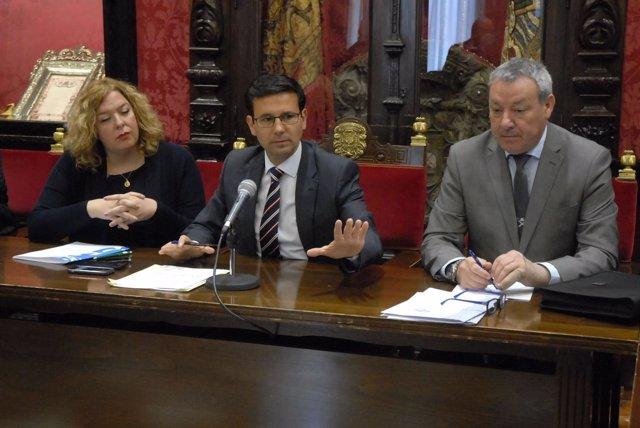 Acto en defensa del Puerto de Motril en el Ayuntamiento de Granada