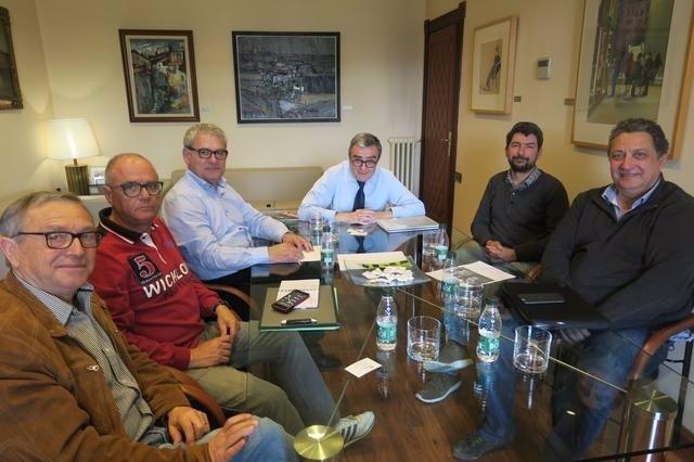 À.Ros y los copropietarios de Petrolis Independents y la Fed. DE AAVV de Lleida