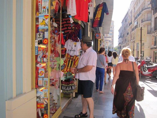 Turistas tiendas Málaga