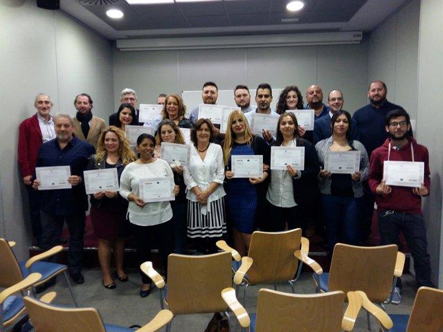 Broto entrega diplomas a 20 mediadores gitanos