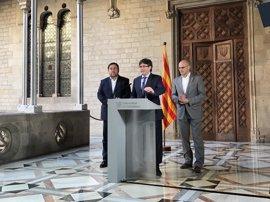 """Carles Puigdemont augura que los catalanes """"indultarán"""" a Mas votando el referéndum este año"""