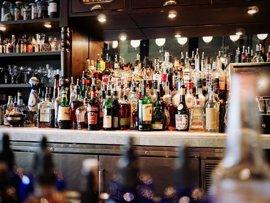 UE.- Bruselas pide al sector de bebidas alcohólicas una propuesta para regular el etiquetado nutricional