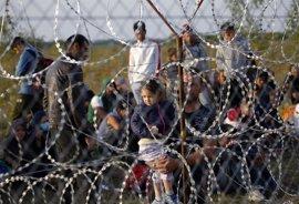 Unos 94 inmigrantes comienzan una huelga de hambre en un centro de detención de refugiados en Hungría