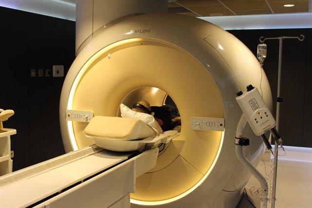 Aparato de resonancia magnética