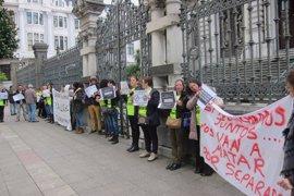 Eventuales de la limpieza del HUCA culpan a UGT, CCOO y USO de que falten aún 63 trabajadoras por subrogar