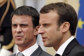 Valls apoyará a Macron en la primera vuelta de las presidenciales, según 'Le Parisien'