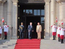 Dastis pide al presidente de Perú la entrada en vigor del acuerdo de doble imposición para favorecer las inversiones