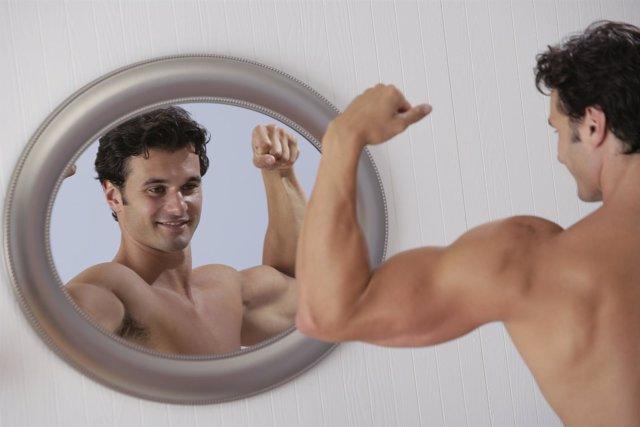 Vigorexia, músculos, espejo