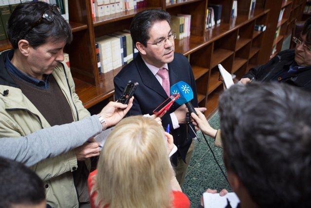 El presidente de la Sección Primera de la Audiencia de Sevilla, Pedro Izquierdo