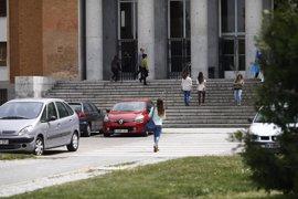 El Ayuntamiento quiere hacer convenios con la Complutense por su aparcamiento disuasorio