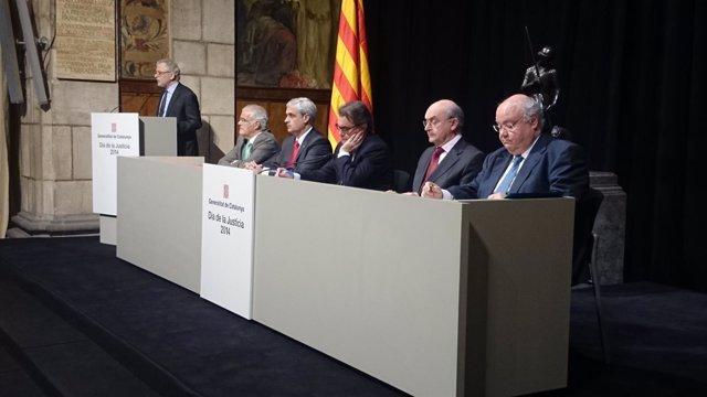 Enric Colet, Miguel Ángel Gimeno, Artur Mas, Germà Gordó y Carles Viver