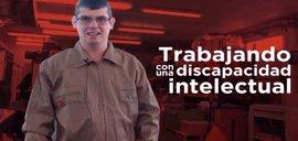 """Iván, trabajar con discapacidad: """"Al que le digo que trabajo en una imprenta piensa que estoy zumbado"""" #10Años10Voces"""