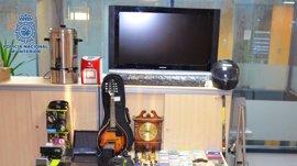 Detenida una pareja en Santiago por robar en viviendas y vender objetos sustraídos