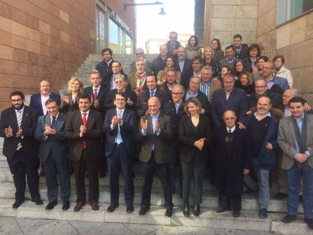 Ávila: Mañueco Con Cargos Y  Militantes De Ávila