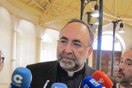Archivan la denuncia contra el Arzobispo Sanz Montes por un supuesto delito de falsedad documental