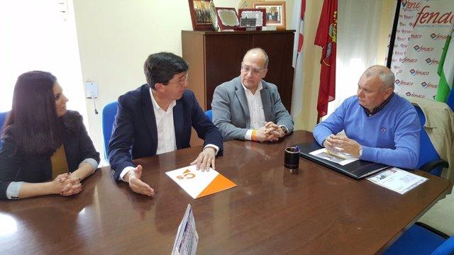 Juan Marín, hoy durante una reunión en Dos Hermanas