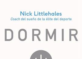 El coach del sueño de Ronaldo publica 'Dormir', una guía para 'entrenar' el sueño de los deportistas