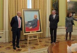 Wert y Méndez de Vigo presentan el retrato del exministro en el Ministerio de Educación