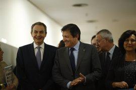 """Zapatero defiende que Susana Díaz es """"una excelente candidata"""" con """"grandes condiciones"""" para liderar el PSOE"""