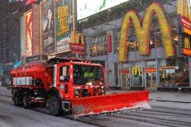 La llegada de una tormenta de nieve y viento paraliza la zona noreste de Estados Unidos