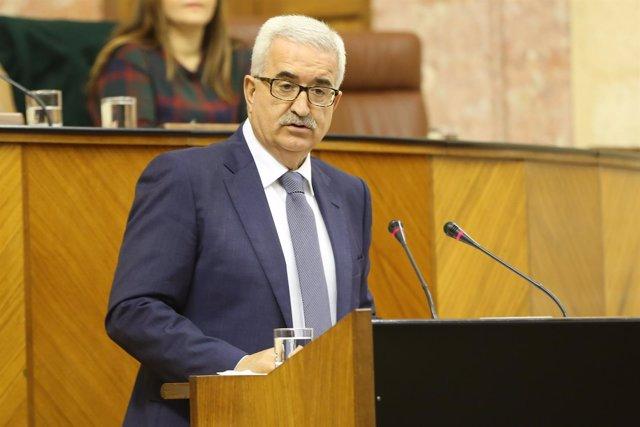 El vicepresidente de la Junta, Manuel Jiménez Barrios, en el Parlamento