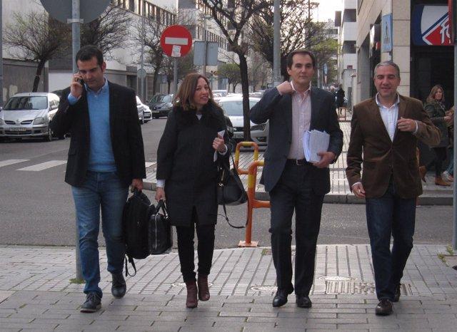 Patricia Navarro con Nieto, Bendodo y Fernández-Pacheco