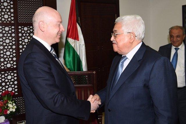 El enviado de EEUU, Jason Grenblatt, se reúne con Abbas