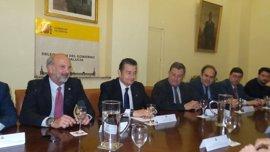 Antonio Sanz se reúne con el Consejo de Hermandades de Sevilla para preparar la seguridad de la Semana Santa