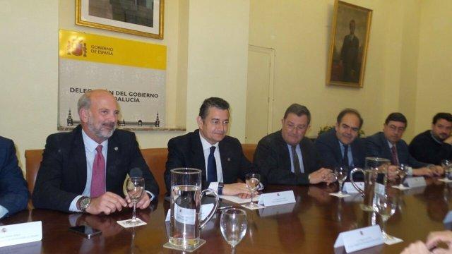 Reunión de Antonio Sanz con el Consejo de Hermandades de Sevilla