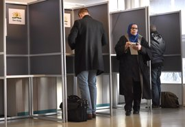 Los holandeses votan en unos comicios marcados por la posible victoria del ultraderechista Wilders