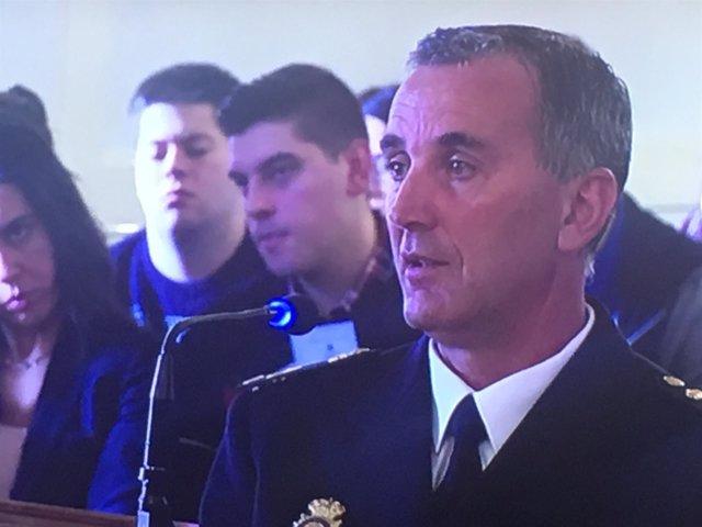 Agente de la policia nacional de Astorga que participa en la reconstrucción