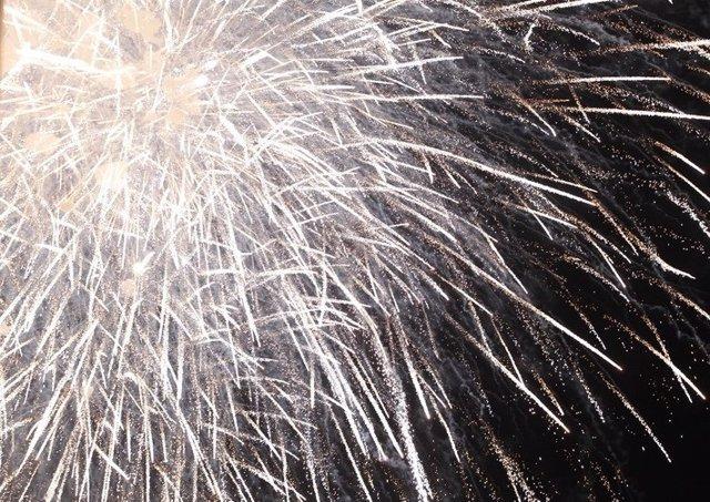 Imagen de archivo de un castillo de fuegos artificiales de Fallas