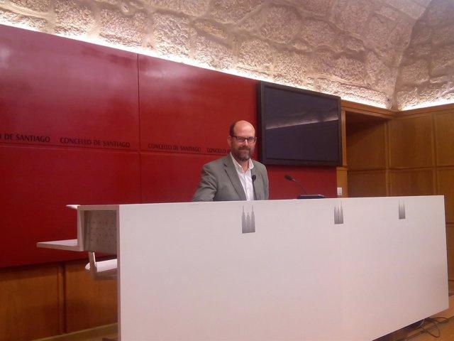El alcalde de Santiago, Martiño Noriega, durante una rueda de prensa