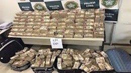 Billetes incautados por la Policía en Río de Janeiro
