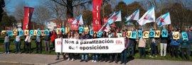 """Docentes y delegados sindicales exigen ante la Xunta la convocatoria """"inmediata"""" de oposiciones de profesorado"""