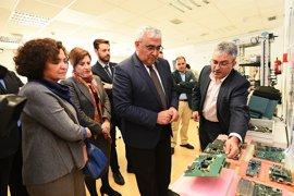 Arellano destaca el potencial de Seven Solutions, colaboradora del CERN, en la I+D de Andalucía